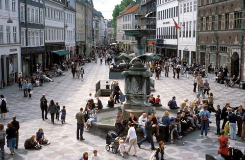 10 Principles for Successful Squares | Project for Public Spaces