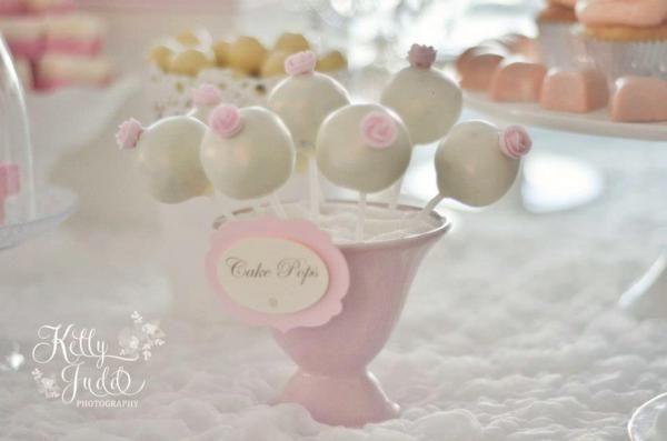 Pretty Pink Vintage Wedding via Karas Party Ideas | KarasPartyIdeas.com #pretty #vintage #pink #wedding #party #reception #ideas (14)