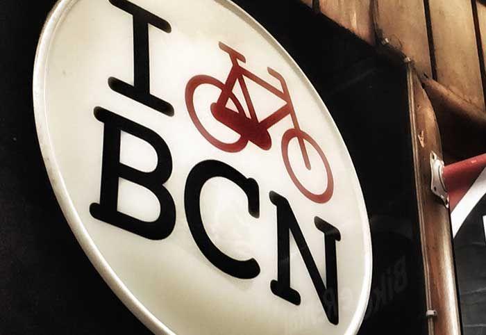 Blog Inmofinders Barcelona. Barcelona, una ciudad en la que las posibilidades de desplazarse en bicicleta son enormes.