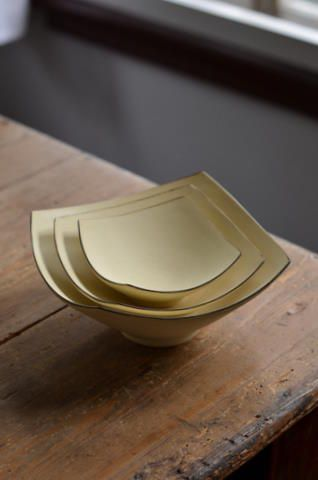 Vessel Notes: bowl and Tatsuya Hattori Exhibition angle plate dish