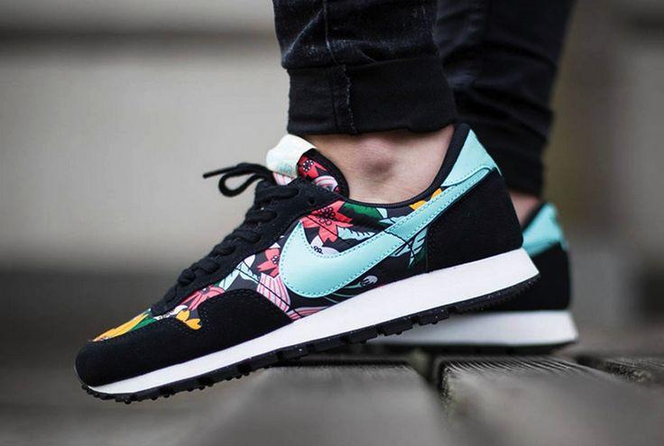 Nike Toki Slipon CVS (GS), Chaussures spécial Tennis pour Fille Différents Coloris 38