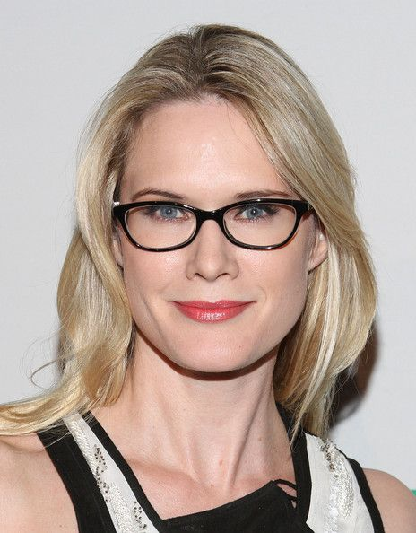 I just read that actress Stephanie March is the spokesperson for The Million Women March for Endometriosis. Awesome! Law & Order: SUV is my sister's favorite show.