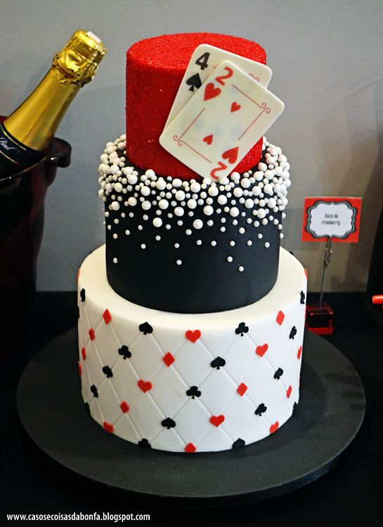 Outro estilo de bolo pra festa cassino ou las vegas