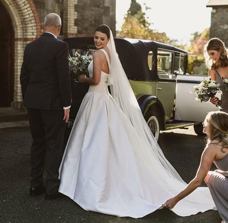 Our stunning bride Orla and her Jesus Peiro wedding dress!