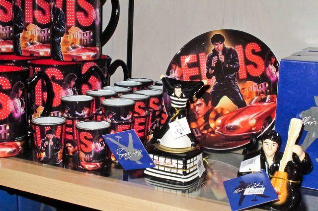 Elvis Birthday Party Ideas. Memorabilia. Souvenirs