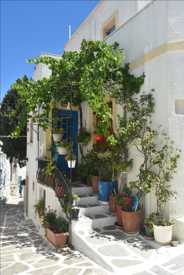Greek home on the island of Paros in #lefkes