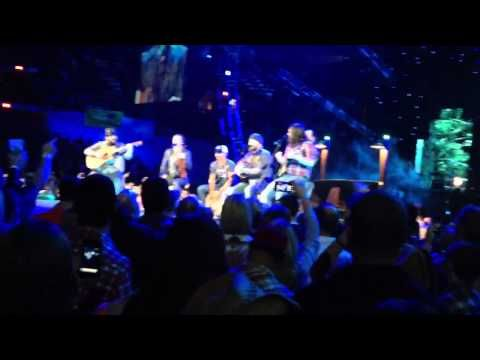 ▶ Zac Brown Band - The Joker/Caress Me Down (Steve Miller Band & Sublime Cover) (Live) (HQ) - YouTube
