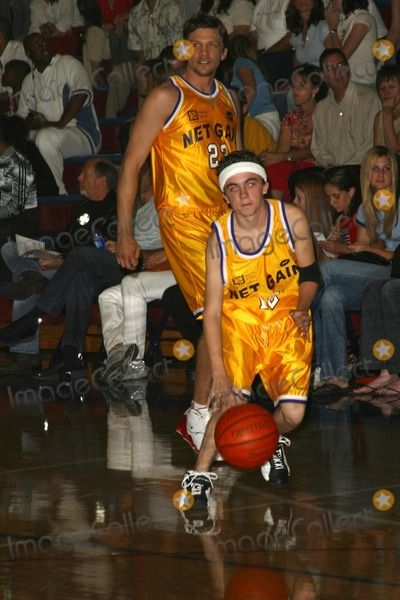 Photos and Pictures - Frankie Muniz at the Youth I.N.C.S. Net Gain 2003 Celebrity Basketball Game, Crossroads High School, Santa Monica, CA 10-26-03