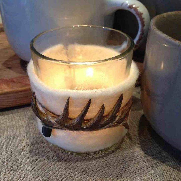 Ljuskopp med HORN-dekoration, roligaste i år! http://www.dukat.se/product/ljuskopp-horn-filt