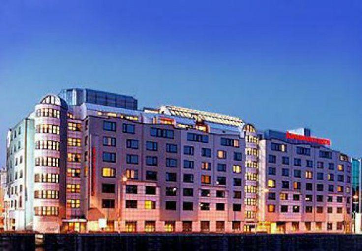 Ξενοδοχείο Marriott Rennaisance, Βιέννη - Ανακαίνιση  μπάνιων με κόλλες πλακιδίων Mac Super (2013)