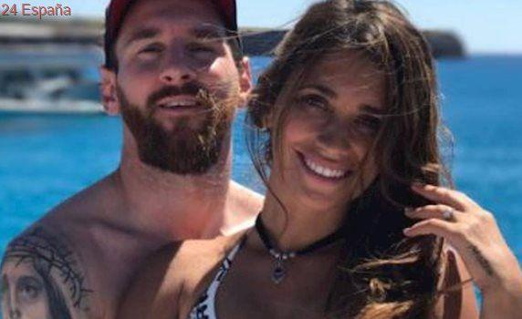 Messi disfruta de unas vacaciones en Ibiza junto con su novia, Suárez y Fábregas