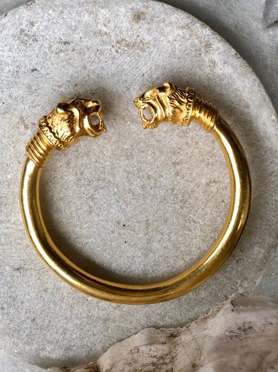 Heavy Designer Gold Tone Double Lions Head Vintage Cuff Bangle