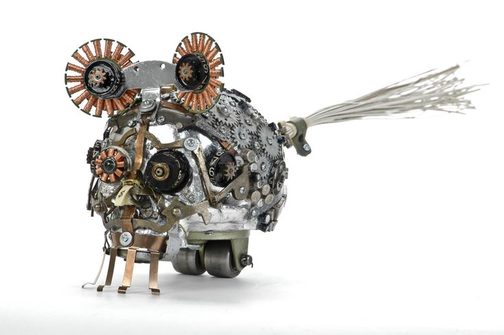 Gabriel Dishaw Upcycler / Junk Artist / Sculptor​    Creates his works using found objects from typewriters, adding machines​, old computers and technology. I take the items people no longer have use for and that would normally end up in a landfill and in turn create something new and upcycled.