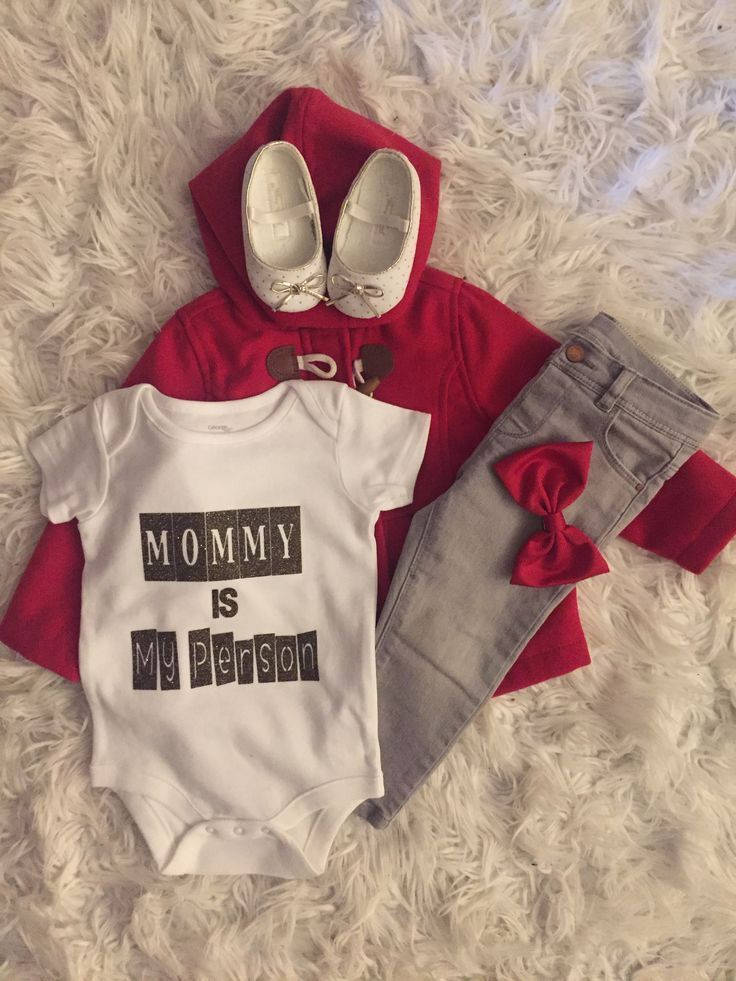 Baby girl outfit/ baby girl Clothing/ baby girl onesie/ mommy is my person via @deuxpardeuxKIDS #babygirloutfits