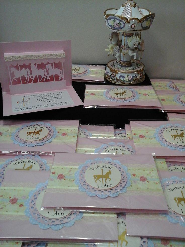Convite Infantil tema: Carrossel Encantado produzido por Mônica Guedes