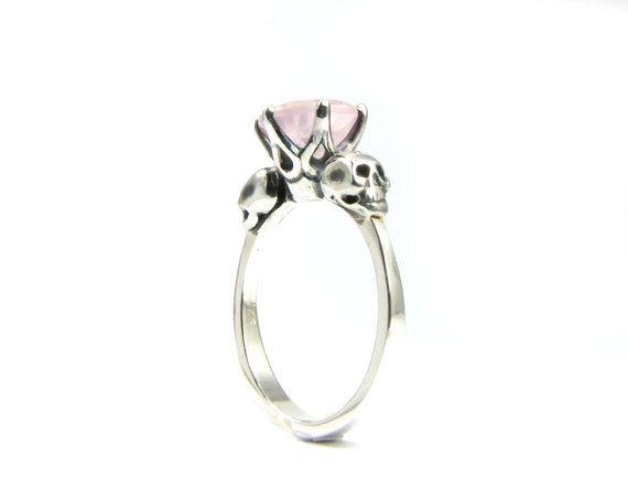 Skull Wedding Ring Goth Engagement Skull Ring by KipkalinkaJewels, €259.00
