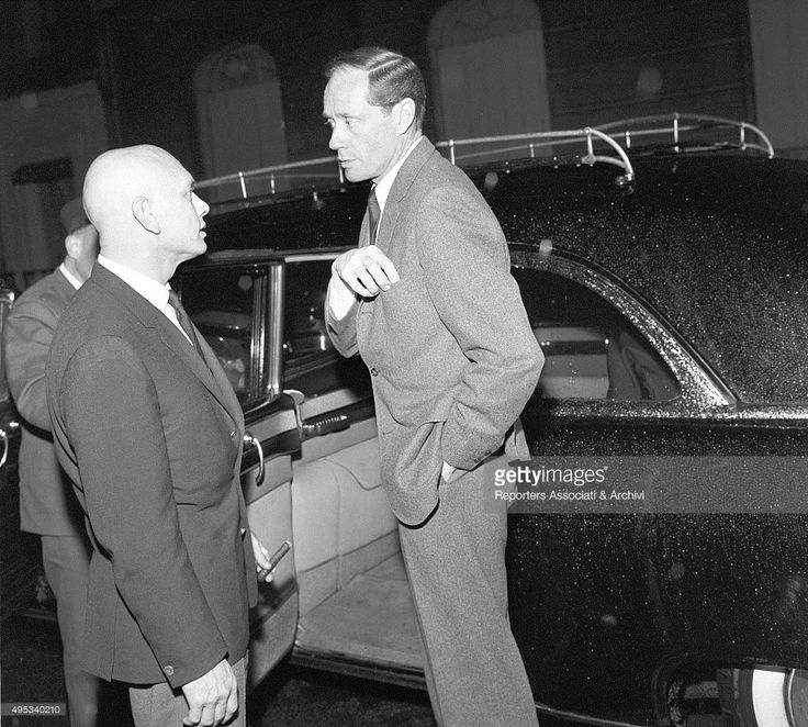 Mel Ferrer speaking with Yul Brynner Pictures | Getty Images