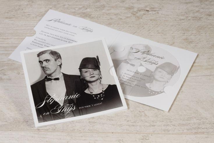 Val op met deze unieke CD-kaart als uitnodiging voor je huwelijk! Jullie love song wordt zeker en vast een hit! #love #music #lovesong #marriage #happymoment #uitnodiging #huwelijk
