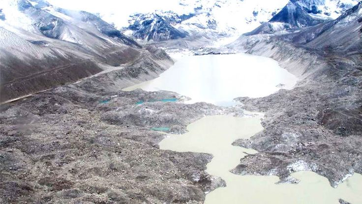 Nepal drains dangerous glacial lake near Mount Everest - http://thehawk.in/news/nepal-drains-dangerous-glacial-lake-near-mount-everest/