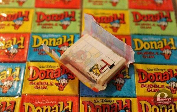 Donald  chewing gum