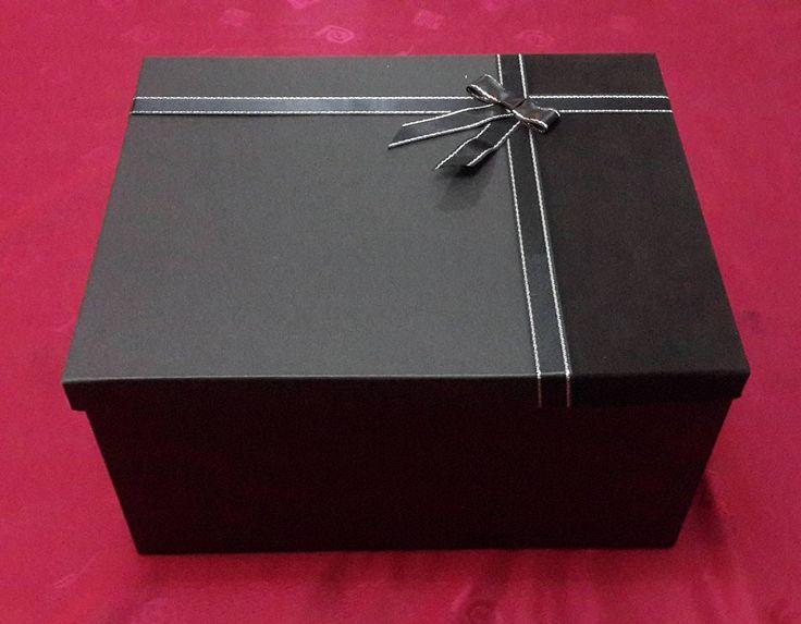 """11 Beğenme, 1 Yorum - Instagram'da @corner.kutu: """"Corner kutu ( ebat : 27 × 34 × 18 )  Fiyat : 25 tl. #hediyelik #kutu #elyapimi #handmade #doğumgünü…"""""""