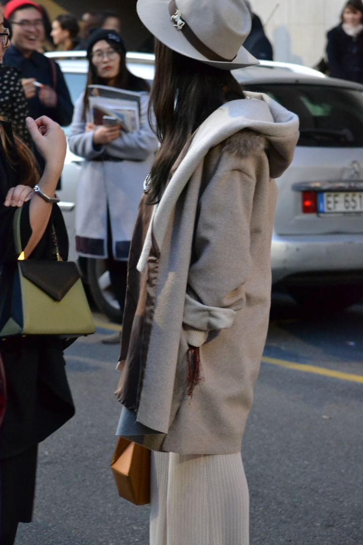 Castamusa EDIE bag - streetstyle at Milan Fashion Week.  Bicolor leather bag in black & olive green, Made In Italy.
