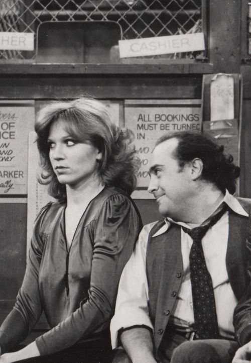 """Marilu Henner and Danny DeVito in """"Taxi"""" (TV Series 1978–1983)"""