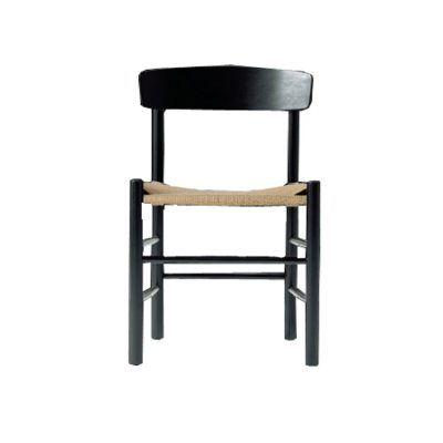 J39 stol, sortlakkert med naturfletting i gruppen Stoler hos RUM21 AB (123247)