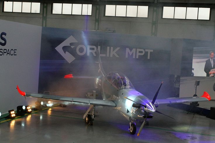 Prezentacja samolotu #PZL 130 #Orlik MPT, wyposażonego w szklany kokpit.   #Warszawa, 7.03.2014