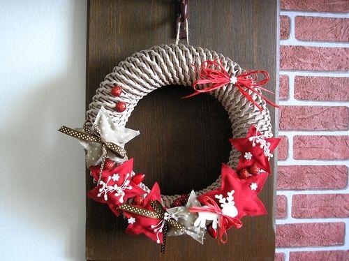 Vánoce! Vánoční věneček z papírových ruliček :)