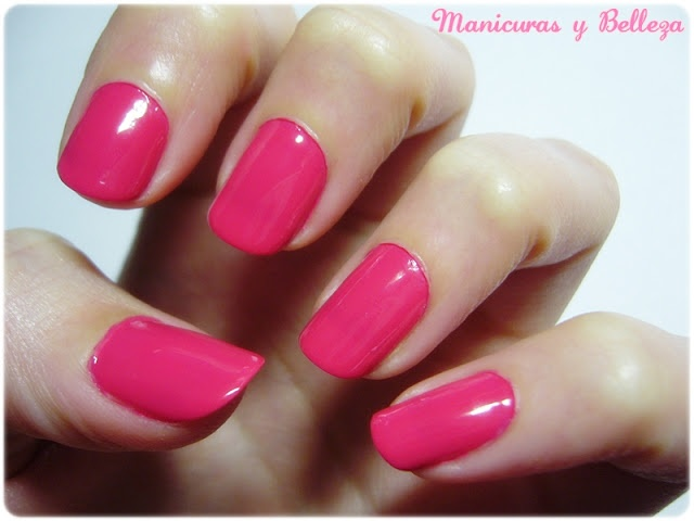 Nails in pink // Manicura rosa