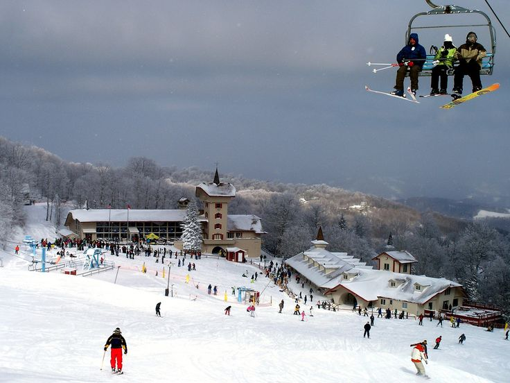Beech Mtn Resort in NC offers Southerners a close option for family skiing.