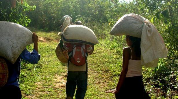 Resultado de imagen para campesinos colombianos en la ciudad