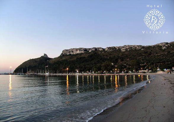La spiaggia del Poetto - http://www.hotelbjvittoria.it   #spiagge #Cagliari #Sardegna