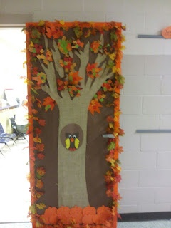 fall classroom door...can be used for Halloween by adding pumpkins, bats, and can be used for Christmas by removing the other decorations and adding Chrismas ornaments. :)