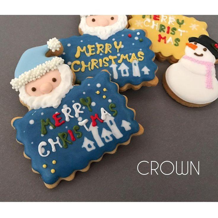 おはようございます🌞 * * * 手作りケーキを作られる方やXmasケーキを予約し忘れた方にオススメのプレートクッキー🎅 * 大きさは一番長い辺で約7.5cmあるので存在感もバッチリ👌 (雪だるまも同じです⛄️) * もちろんプレゼントに添えても◎ ーーーーー #Icingcookies #アイシングクッキー #アイシング  #cookie #cookies #クッキープレート #サンタ #サンタクロース #SantaClaus #🎅 #雪だるま #snowman #⛄️ #メリークリスマス #merryChristmas #Xmas  #noel #smokycolor #クッキー #クリスマス  #blue #pink #crown_chiffon #crown_chiffonアイシングクッキー#メリークリスマス #merryChristmas #クリスマスツリー #Christmastree #Xmas  #noel #smokycolor #クッキー #クリスマス  #blue #pink #crown_chiffon…