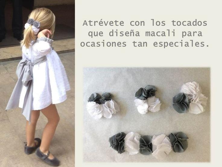 Vestido plumeti con lazo gris y tocados a juego!!    www.macali.es