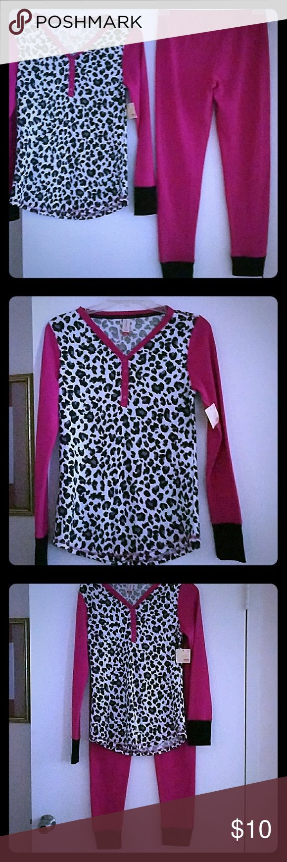 ??NWT?? Ladies NoBo Thermal Pijama Set ??CLERANCE?? Very cute ladies pajama NoBo Thermal 2 Pc. Pajama Set Size Medium 7-9 Multicolor. Awesome.  Color pink and plack lepard style. Any questions,  please ask before purchase. All purchase are final. Thanks and Happy Shopping Girls !!!  ?????? Other