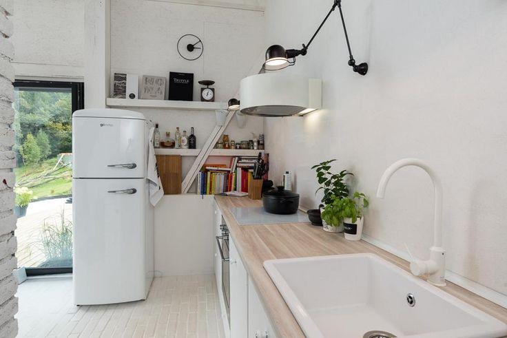 Oltre 1000 idee su case fienile su pinterest pali del for Case in stile arti e mestieri