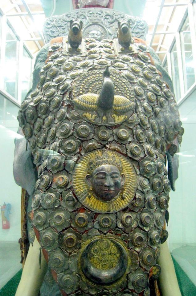 Средневековые доспехи для слона. Доспех из Национального музея в Нью-Дели (Индия)
