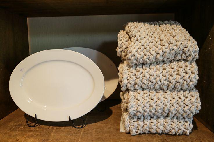 Chunky, oversized mop yarn bathmats   L' Orangerie