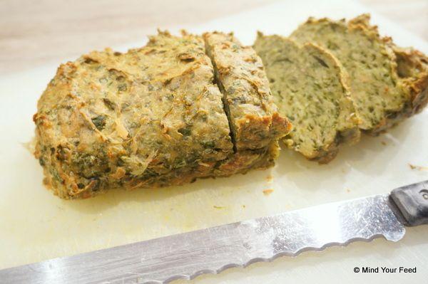 Gehaktbrood van kipgehakt met spinazie. Wel even handig met de knoflook omspringen!