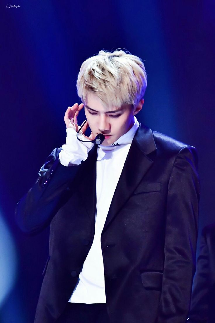 EXO's Sehun 161101 SBS Power FM 20th Anniversary Concert credit: MIKAKIM_MAYBE