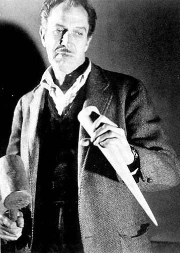 Vincent Price -->It's not Halloween until you've watched at least 5 Vincent price flicks!!