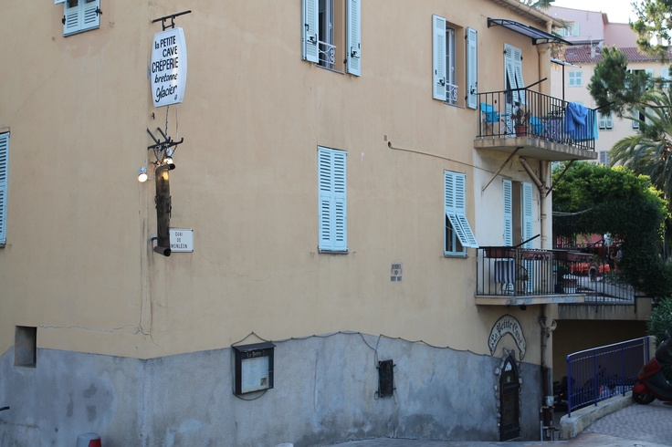 """Restaurant """"Le Petit Cave"""" Great Crepes, but you need a reservation! Menton, France"""