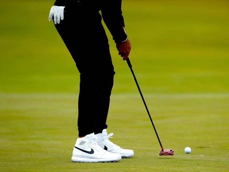 "This Australian golfer is rocking 'Back To The Future'-style shoes on the first day of The Open - The Open Championship got underway at Royal Birkdale, Britain, on Thursday and an Australian golfer has already committed a fashion faux pas.  World number six Jason Day teed off wearing a pair of shoes that looked like he had taken style tips from ""Back To The Future's"" Martin McFly before beginning his bid for the major.  It did not go unnoticed by viewers:  What the bloomin heck does…"