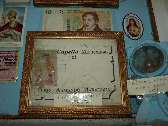 Capello di Maradona al Bar Nilo di Napoli