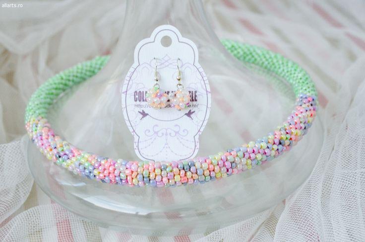 Design Bijuterii handmade Colier statement la baza gatului din margelute de sticla