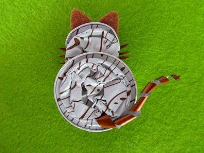 Fantásticas ideas para reciclar las cápsulas de café, un gatito