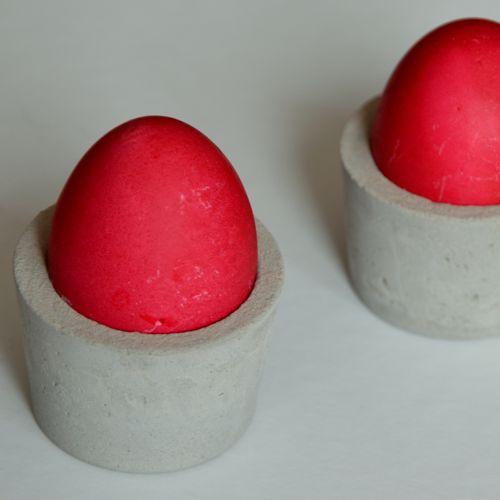 Eierbecher aus Beton - Mit dieser Anleitung basteltst Du den ganz einfach nach.